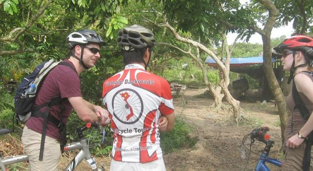 Cycling to Can Duoc - My Tho - Ben Tre's homestay