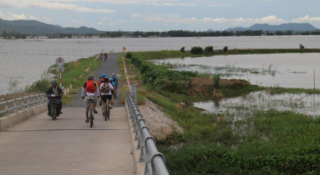 Biking Mekong Delta 4 days/ 3 nights Saigon to Ha Tien